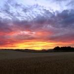 Wanderung in den Sonnenuntergang